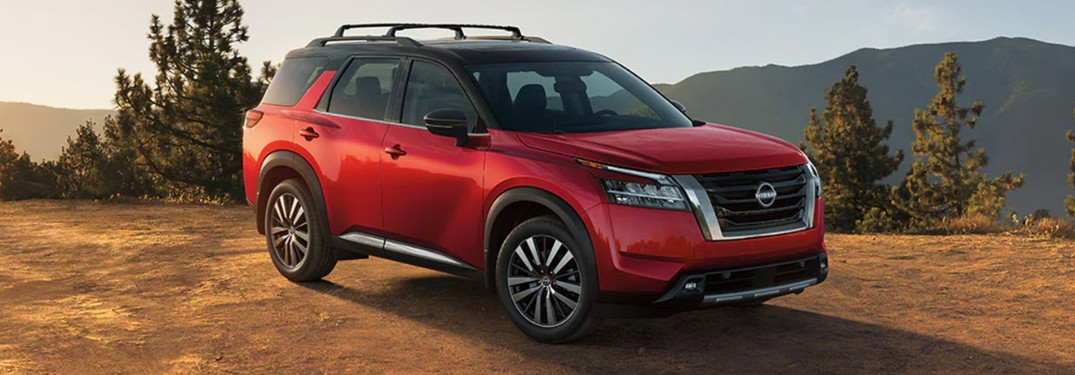 2022 Nissan Pathfinder with a mountain in the background