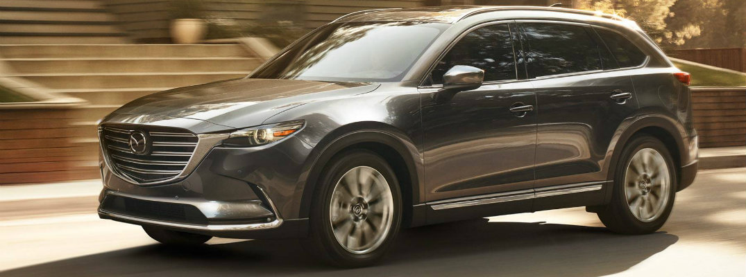 What colors are available for the 2018 Mazda CX-9?