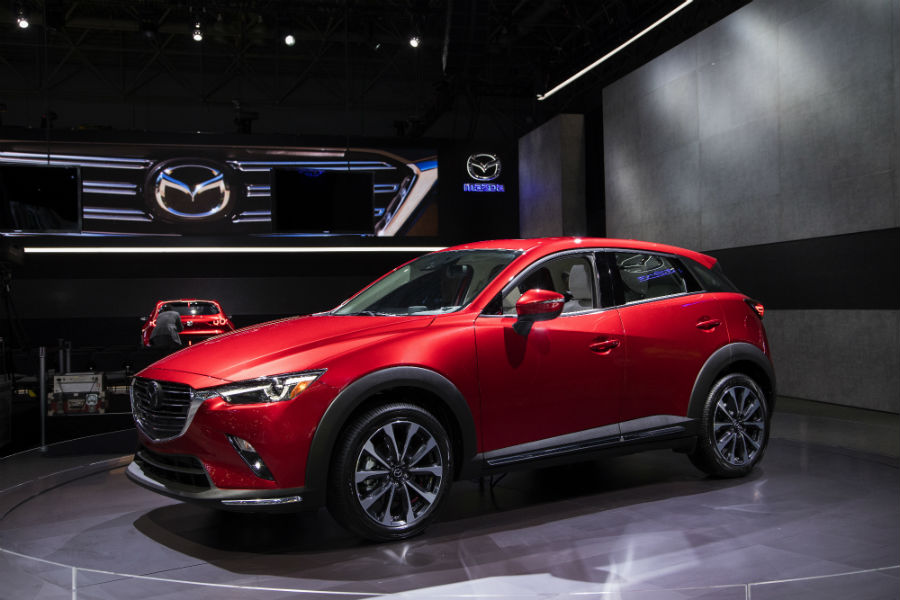 A front left photo of the 2019 Mazda CX-3.