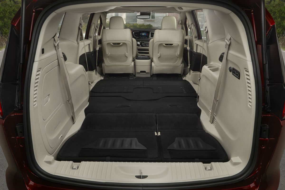 What Are The Passenger Cargo Capacities Of The 2018 Chrysler Pacifica