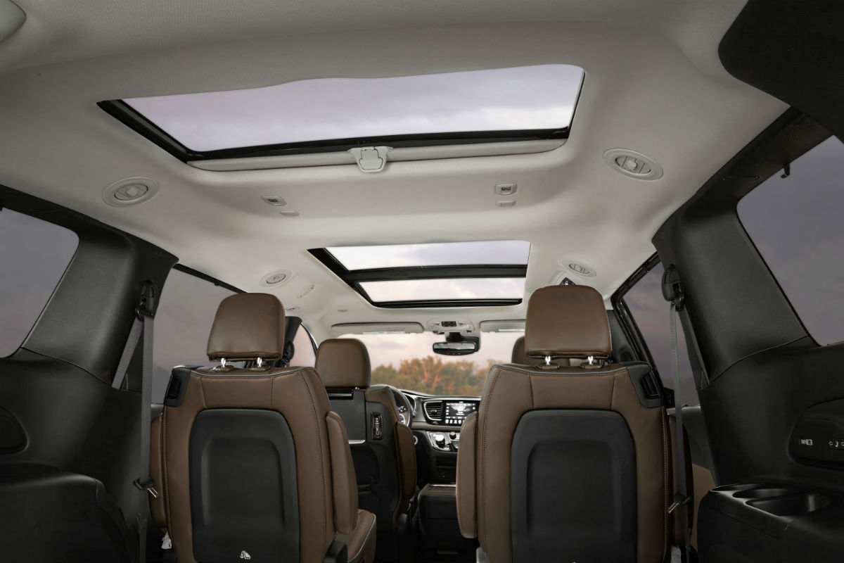 how much cargo and passenger space does the 2019 chrysler pacifica have. Black Bedroom Furniture Sets. Home Design Ideas