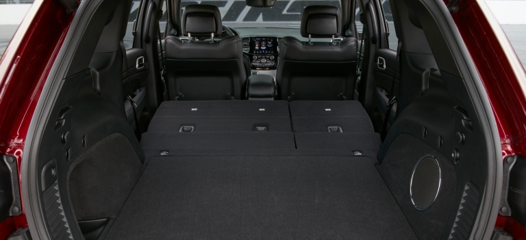 Jeep Grand Cherokee Cargo Space >> Cargo And Passenger Space Of The 2019 Jeep Grand Cherokee