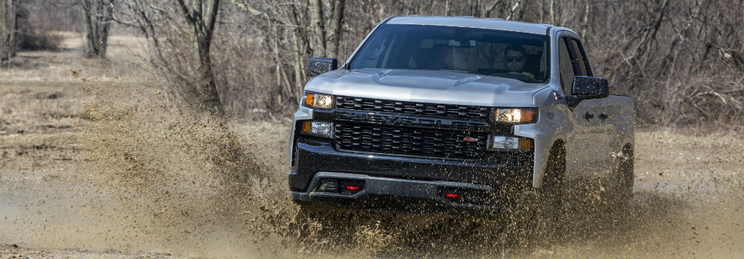 What are the Engine Options & Performance Specs of the 2019 GMC