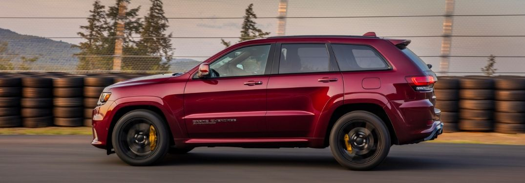2020 Jeep Grand Cherokee driver side profile