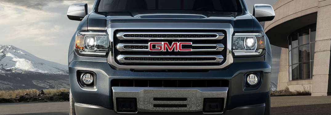 How many pounds can the 2020 GMC Canyon tow?