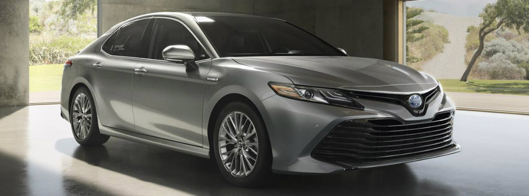 2018 Toyota Camry standard and available features