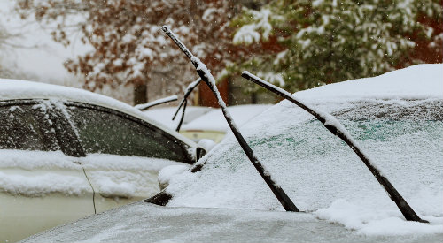 How to quickly defrost your windshield in cold weather