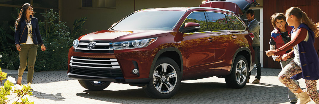 2019 Toyota Highlander parked outside