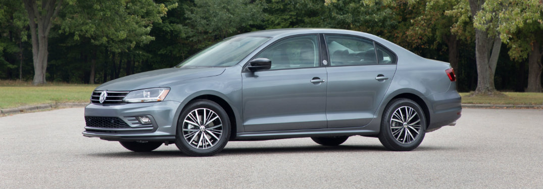 2018 Volkswagen Jetta side exterior view grey