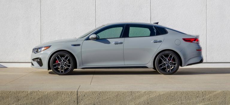 2019 Kia Optima White Side View With 18 Inch Rims O