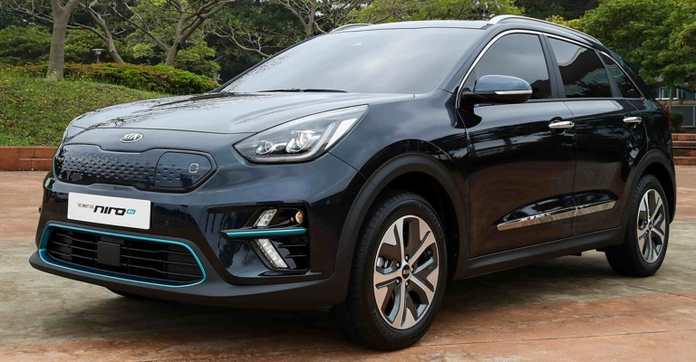 2019 Kia Niro EV black side view