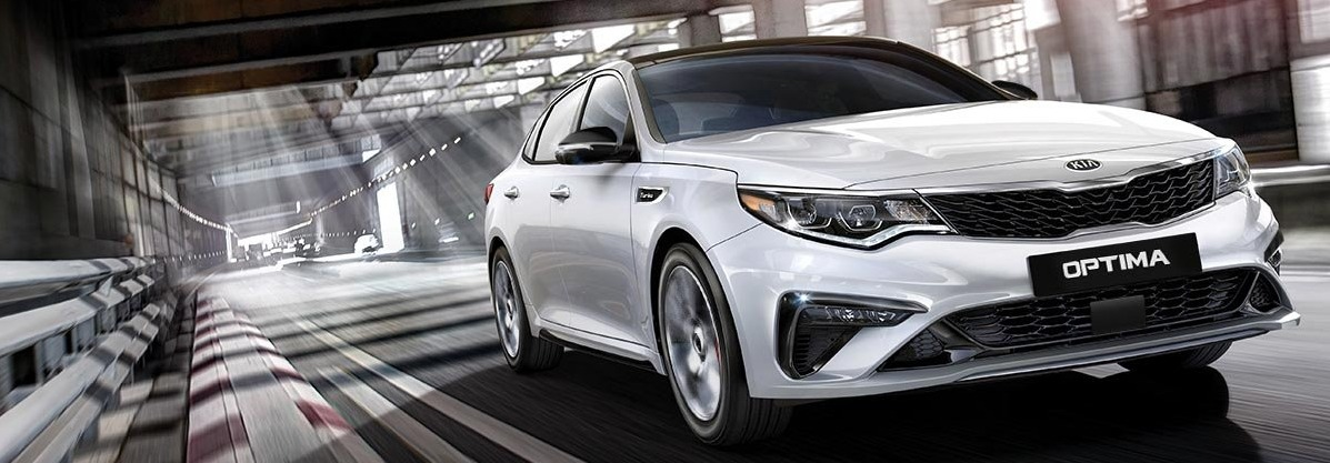 2019 Kia Optima white front view