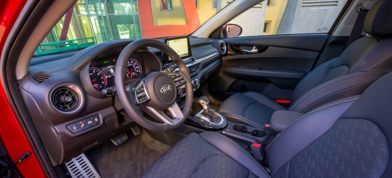 2019 Kia Forte driver's seat and steering wheel in black