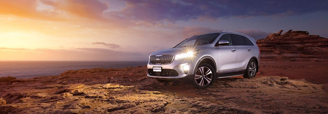 2019 Kia Sorento silver side view on a cliff