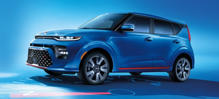 2020 Kia Soul GT-Line blue side view