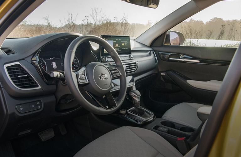 2021 Kia Seltos interior front view