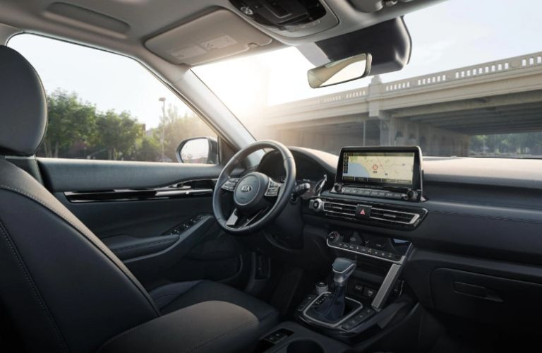 2021 Kia Seltos dash and wheel view