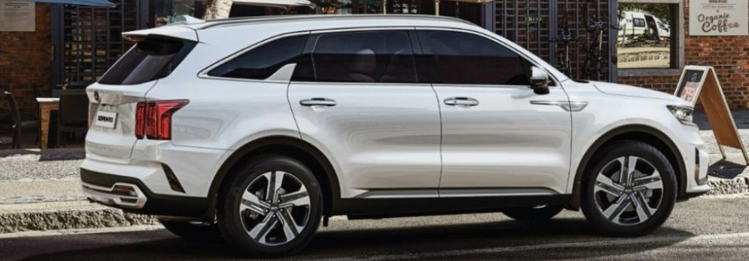 2021 Kia Sorento parked side view