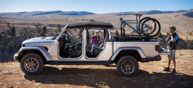 2020 Jeep Gladiator with the doors off int he mountains ...