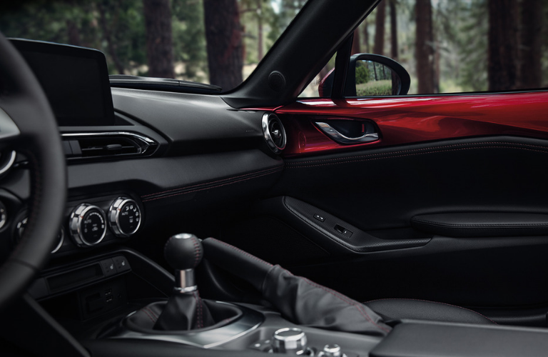 2019 Mazda MX-5 Miata interior front view